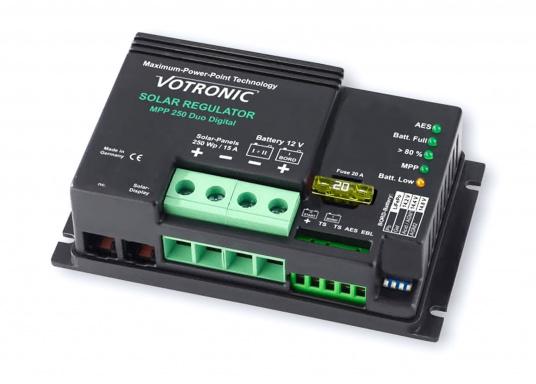Les régulateurs de charge VOTRONIC pour énergie solaire avec la technologie MPP (Maximum Power Point) sont fabriqués en Allemagne et sont entièrement automatiques. Ils tirent le meilleur parti de vos panneaux solaires pour une charge rapide.