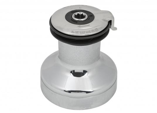 Die EVO®Winden bestechen durch hohen Bedienkomfort und beste Qualität. Die einfache Handhabung macht es möglich, diese Winde ohne zusätzliches Werkzeug zu warten.Material: Bronze, verchromt.