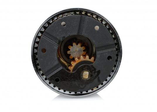Die neuen selbstholenden Winden der Serie XT von antal überzeugen durch ein absolut neues und modernes Design unter Beibehaltung der für antal bekannten Materialgüte und Verarbeitungspräzision.Bronze-Verchromt.  (Bild 4 von 7)