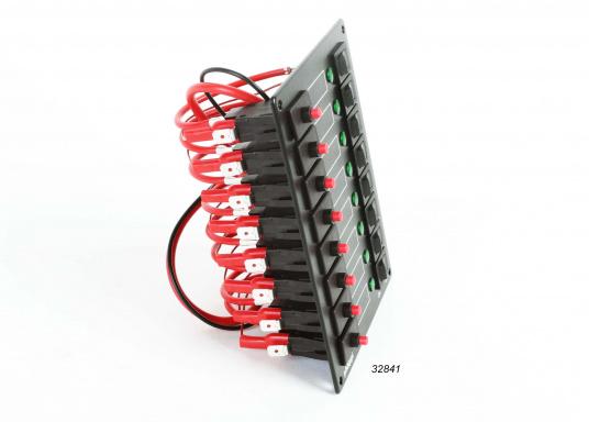 Die Schalttafel-Serie STV ist mit thermischen Sicherungsautomaten (8 A), Wippschaltern und Leuchtdioden bestückt.Geeignet für Betriebsspannung 12 und 24 Volt.  (Bild 2 von 4)