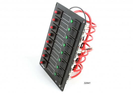Die Schalttafel-Serie STV ist mit thermischen Sicherungsautomaten (8 A), Wippschaltern und Leuchtdioden bestückt.Geeignet für Betriebsspannung 12 und 24 Volt.  (Bild 4 von 4)