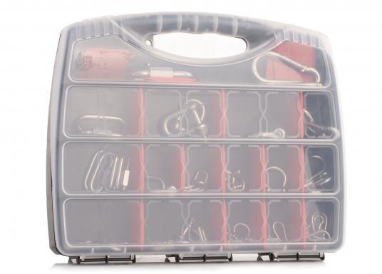 Dieser Koffer verfügt über zahlreiche Karabiner- und Schäkel aus hochwertigem Edelstahl V4A. Insgesamt sind 17 verschiedene Artikel und 50 Einzelteile enthalten. (Bild 2 von 3)