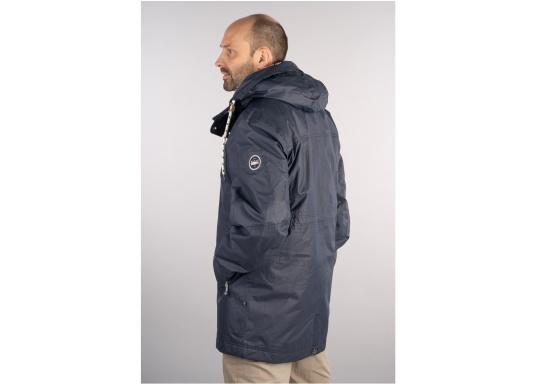 Die elegante Allwetter-Jacke von Marinepool schützt Sie bei Wind und Wetter. Ausgestattet mit einem hohen Kragen und Teddyfell im Brustbereich und in der Kapuze bietet die NILAS Jacke erstklassigen Schutz an kalten Regentagen. (Bild 3 von 12)