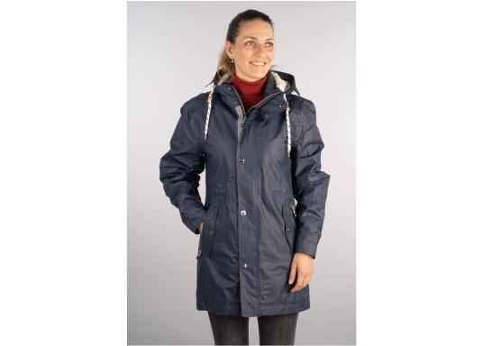 Die elegante Allwetter-Jacke von Marinepool schützt Sie bei Wind und Wetter. Ausgestattet mit einem hohen Kragen und Teddyfell im Brustbereich und in der Kapuze bietet die NILAS Jacke erstklassigen Schutz an kalten Regentagen. (Bild 2 von 12)