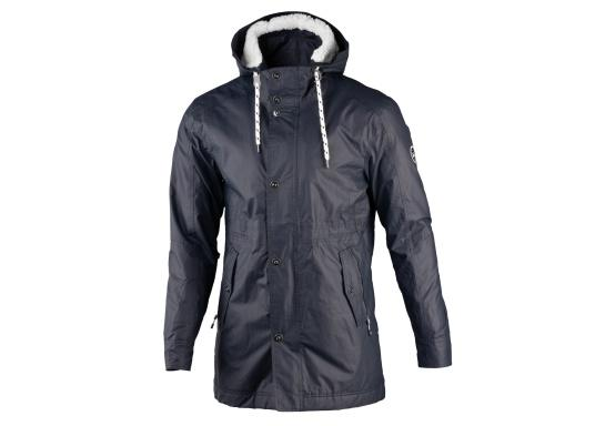 Die elegante Allwetter-Jacke von Marinepool schützt Sie bei Wind und Wetter. Ausgestattet mit einem hohen Kragen und Teddyfell im Brustbereich und in der Kapuze bietet die NILAS Jacke erstklassigen Schutz an kalten Regentagen. (Bild 8 von 12)