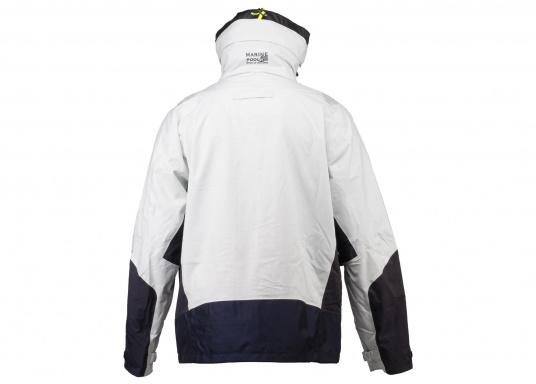 The AUCKLAND jacket is the perfect companion for every sailing trip and has everything a jacket needs in terms of comfort, breathability and waterproofness. (Image 2 of 6)