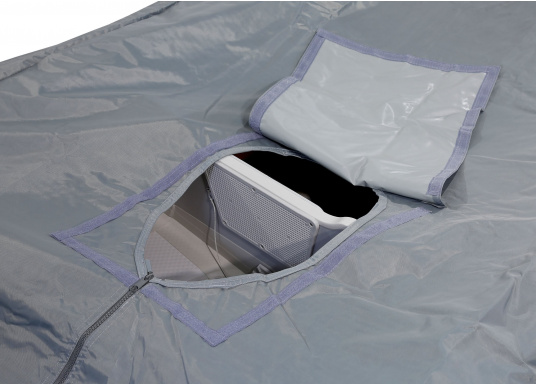 Tarpaulin cover for SEATEC PRO SPORT 310 and PRO ADVENTURE 310 inflatable boats.The tarpaulin cover is tightened with ropes. (Imagen 2 de 5)