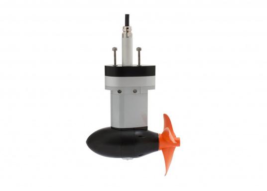 Der TorqeedoPod-Antrieb CRUISE 2.0 FP wird mit über 2000 Watt Eingangsleistung angeboten und ist in der Vortriebsleistung mit einem 5PS Benzin - Außenborder vergleichbar. Für Segelboote bis 4 Tonnen. (Image 3 of 5)