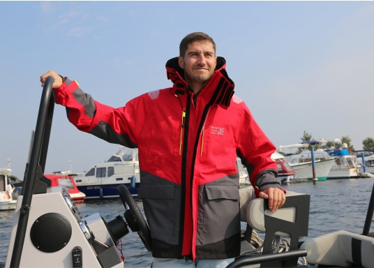 The AUCKLAND offshore jacket is the perfect companion for every sailing trip and has everything a jacket needs in terms of comfort, breathability and waterproofness. (Afbeelding 2 of 13)