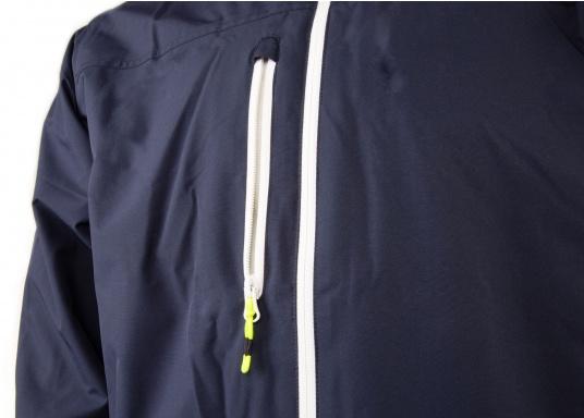 Cette veste Club pour homme de chez Marinepool est légère et fonctionnelle, coupe-vent, imperméable et respirante. Parfaitement adaptée pour un usage extérieur, à terre ou en navigation. (Image 7 de 11)