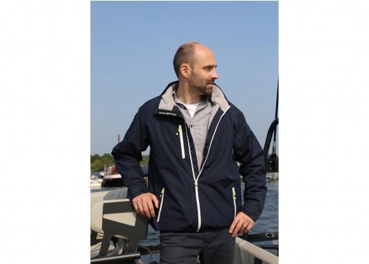 Cette veste Club pour homme de chez Marinepool est légère et fonctionnelle, coupe-vent, imperméable et respirante. Parfaitement adaptée pour un usage extérieur, à terre ou en navigation. (Image 2 de 11)