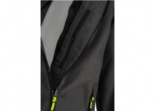 The right choice for every outdoor sports fan! The CARDIFF waterproof and breathable jacket from Marinepool consists of a high-quality 2-layer fabric with MPU membrane and stands out with its modern design and functionality. Available in sizes XS - XXXL.Colour: anthracite. (Afbeelding 5 of 11)