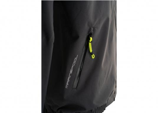 The right choice for every outdoor sports fan! The CARDIFF waterproof and breathable jacket from Marinepool consists of a high-quality 2-layer fabric with MPU membrane and stands out with its modern design and functionality. Available in sizes XS - XXXL.Colour: anthracite. (Afbeelding 7 of 11)