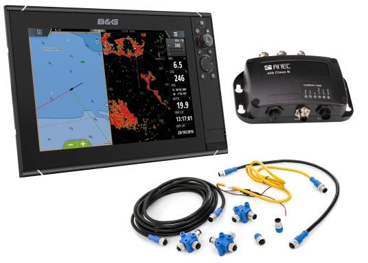 Der Zeus³ 12 ist ein einfach zu bedienendes Kartenplotter-Navigationssystem für Blauwassersegler und Regatta-Segler mit einem 12-Zoll Touchscreen-Display, leistungsstarker Elektronik, und einem großen Funktionsbereich, der speziell für den Segler entwickelt wurde. Lieferung inklusive AMEC AIS-Transponder CAMINO 108S (integr. Splitter) und NMEA2000 Starter Kit.