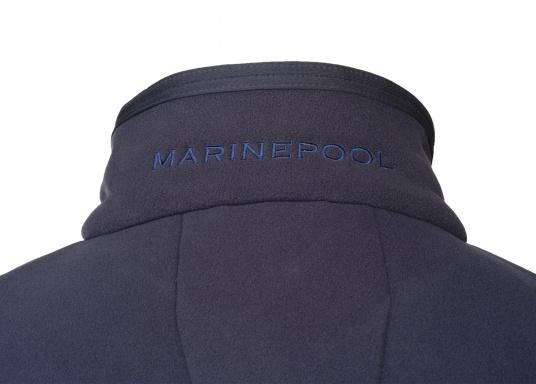 For all outdoor and leisure activities! The FALKLAND II maritime fleece jacket is warm and breathable and the stretch fabric guarantees maximum freedom of movement, so the jacket adapts individually to the body.Colour: navy blue.Available in sizes S-XXXL. (Image 3 of 8)