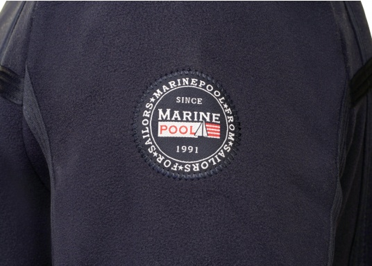 For all outdoor and leisure activities! The FALKLAND II maritime fleece jacket is warm and breathable and the stretch fabric guarantees maximum freedom of movement, so the jacket adapts individually to the body.Colour: navy blue.Available in sizes S-XXXL. (Image 5 of 8)