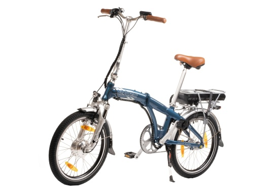 Mit dem neuen Alu-E-Bike BLIZZARD PRO wird der Weg zum Ziel. Als Weiterentwicklung des beliebten Vorgängermodells BLIZZARD, profitieren Sie von neuen Features für noch mehr Reichweite und Flexibilität. Für einen einfachen Transport ist eine Packtasche bereits im Lieferumfang enthalten. (Bild 2 von 12)