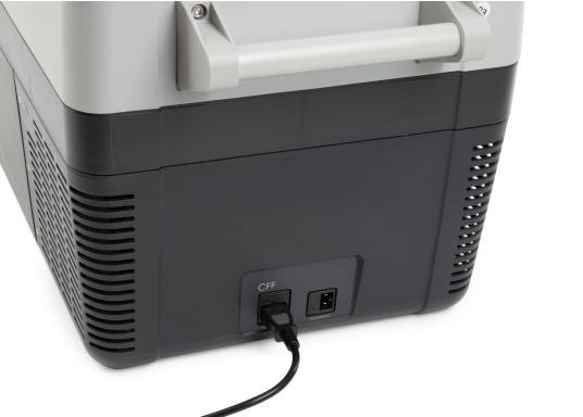 Die Kompressor-Kühlboxen der CFF-Serie überzeugen mit geringem Gewicht, Flexibilität und erstklassiger Kühlleistung. Die CFF-45 wiegt weniger als 19 kg, verfügt über ein großes Fassungsvermögen von 43,5 Litern und bietet ein hervorragendes Preis-Leistungs-Verhältnis. (Bild 6 von 9)
