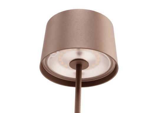 Die hochwertige LED-Tischlampe OLIVIA verfügt über einen integrierten Akku und besticht mit edlem Design und hoher Funktionalität. Sie findet sowohl als Dekoleuchte als auch als Tischbeleuchtung überallihren Platz und sorgt für ein wohliges Ambiente. (Bild 3 von 7)