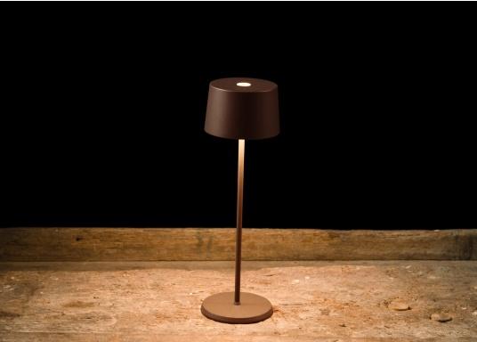Die hochwertige LED-Tischlampe OLIVIA verfügt über einen integrierten Akku und besticht mit edlem Design und hoher Funktionalität. Sie findet sowohl als Dekoleuchte als auch als Tischbeleuchtung überallihren Platz und sorgt für ein wohliges Ambiente. (Bild 7 von 7)