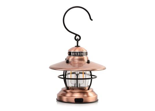 Las linternas LED de Barebones ahora también están disponibles en la versión Mini. A pesar de su pequeño formato, las lámparas sorprenden por combinar un diseño clásico con tecnología moderna.