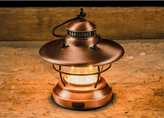 Las linternas LED de Barebones ahora también están disponibles en la versión Mini. A pesar de su pequeño formato, las lámparas sorprenden por combinar un diseño clásico con tecnología moderna. (Imagen 6 de 6)