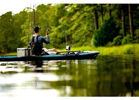 Dank innovativer Farboptionen sehen Sie Fische und Strukturen wie nie zuvor! Der Fishfinder STRIKER Cast von Garmin überzeugt mit hochauflösenden Sonarbildern, einem ausgezeichneten Kontrast und integriertem GPS. So können die Lieblingsspots zum Angeln problemlos markiert werden, um jederzeit den Weg dorthin zurückzufinden. (Bild 5 von 5)