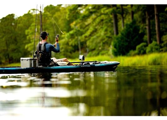 Dank innovativer Farboptionen sehen Sie Fische und Strukturen wie nie zuvor! Der Fishfinder STRIKER Cast von Garmin überzeugt mit hochauflösenden Sonarbildern, einem ausgezeichneten Kontrast und integriertem GPS. So können die Lieblingsspots zum Angeln problemlos markiert werden, um jederzeit den Weg dorthin zurückzufinden. (Bild 6 von 6)