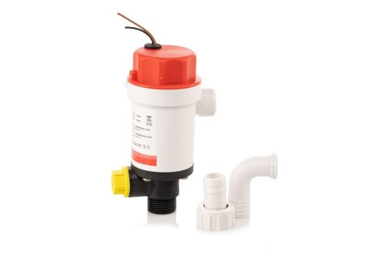 Die kompakte Druckwasserpumpe mit Doppelanschluss erlaubt die Nutzung einer Borddurchführung zur Befüllung eines Wassertanks mit frischem Seewasser (beispielsweise für Fische) und gleichzeitigen Versorgung einer optionalen Deckwaschpumpe. (Bild 4 von 5)