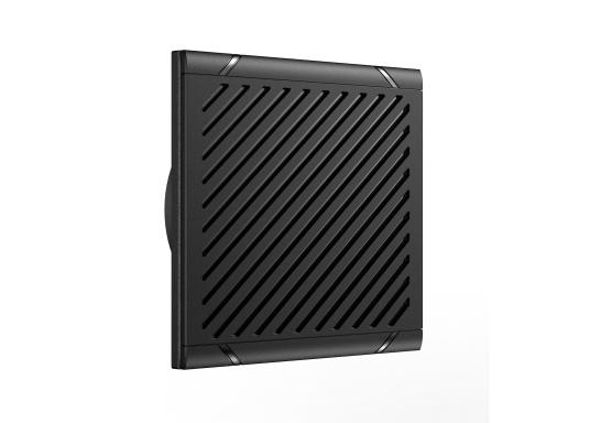 Bleiben Sie überall an Bord in Verbindung! An die UKW-Seefunkanlage RS100 von SIMRAD können bis zu acht Handgeräte und vier externe Lautsprecher angeschlossen werden. Das Bedienteil verfügt über eine inuitive Benutzeroberfläche und zeigt die wichtigsten Daten auf einem großen, gut lesbaren Display an. Im Lieferumfang ist ein kabelgebundenes Handgerät und ein Lautsprecher enthalten. (Bild 7 von 15)
