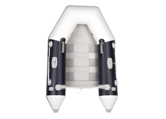 Bateau pneumatique haute qualité d'entrée de gamme. Conception élégante et maniement aisé : le NEMO 200 MARLIN propose un bon rapport qualité-prix. Idéal comme annexe, pour se divertir ou aller se baigner.