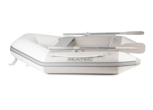 Hochqualitatives Einsteiger-Schlauchboot MARLIN Typ NEMO 200 mit schickem Design, guten Fahreigenschaften und unschlagbarem Preis- / Leistungsverhältnis. Ideal zur Nutzung als Beiboot, Freizeit-Schlauchboot oder Badeboot. (Bild 2 von 8)