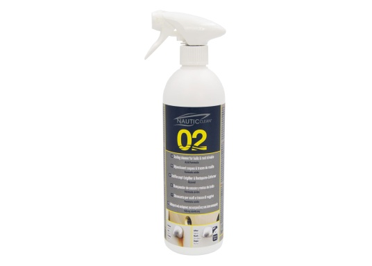 NAUTIC CLEAN scaling cleaner for hulls is ideal for quick restoration and revival of the gelcoat.