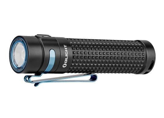 Die Taschenlampe S2R BATON II von OLIGHT kommt im neuen Design und ist dank ihrer kompakten Größe der ideale Begleiter für jeden Einsatz. Sie überzeugt mit einer hohen Leuchtkraft, einem ausbalancierten Lichtstrahl und einer max.. Leistung von 1150 Lumen.