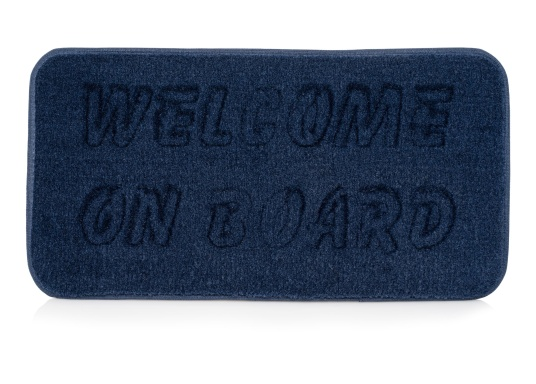 """Robuste Antirutschmatte mit freundlicher Aufschrift """"Welcome on Board"""". Die Fußmatte ist leicht zu reinigen, UV-beständig und wasserdicht. Abmessungen: 48 x 25 cm."""