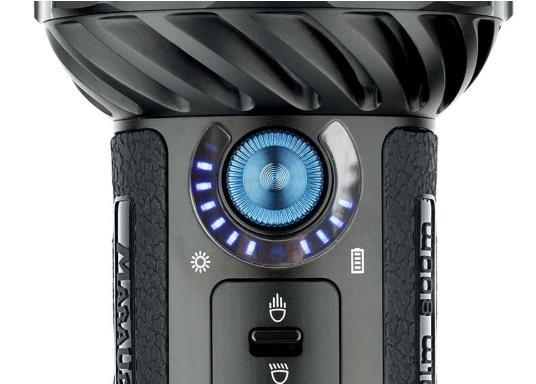 Die Taschenlampe MARAUDER 2 ist der Nachfolger der bewährten X7R MARAUDER und besticht mit ihrer starken Leuchtstärke von bis zu 14000 Lumen. (Bild 4 von 15)