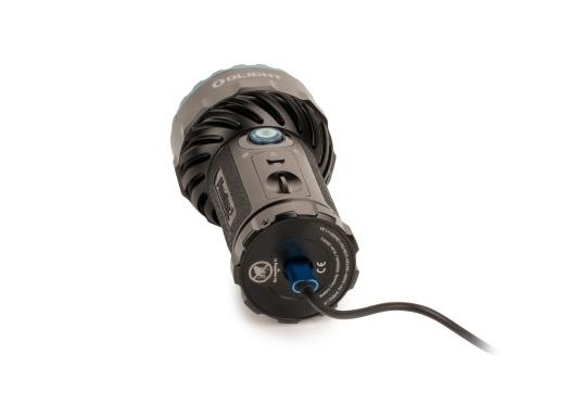 Die Taschenlampe MARAUDER 2 ist der Nachfolger der bewährten X7R MARAUDER und besticht mit ihrer starken Leuchtstärke von bis zu 14000 Lumen. (Bild 13 von 15)