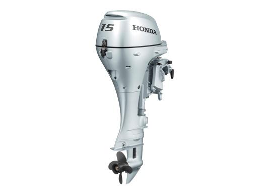 Verbesserte Beschleunigung und Verbrauch!Der Außenborder BF 15 von Honda ist ein leistungsstarker Außenbordermit einem drehzahloptimierten mikroprozessorgesteuerten Zündsystem. Erhältlich als Kurzschaft und Langschaft Version. Der ideale Bootsmotor. (Bild 2 von 2)