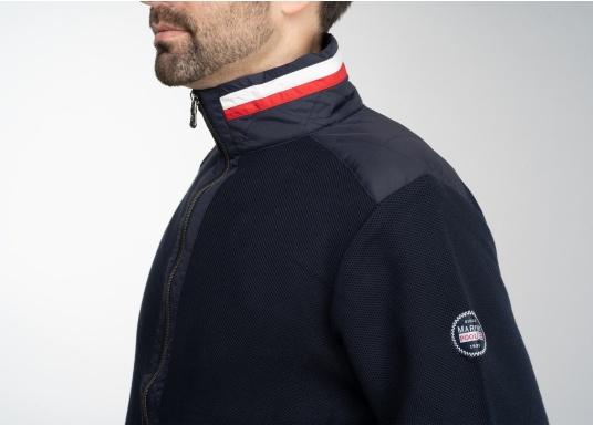 Diese stylische Kapitänsjacke macht das maritime Outfit perfekt. Dabei eignet sie sich nicht nur als nautischer Hingucker, sondern ist gleichzeitig auch als lässige Freizeitjacke bestens geeignet. (Bild 7 von 11)