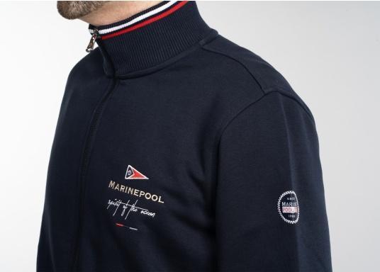 Confortevole, sportiva, elegante: la morbida giacca felpata da uomo HARRISON di marinepool si caratterizza per il suo materiale particolarmente comodo. (Immagine 3 di 11)
