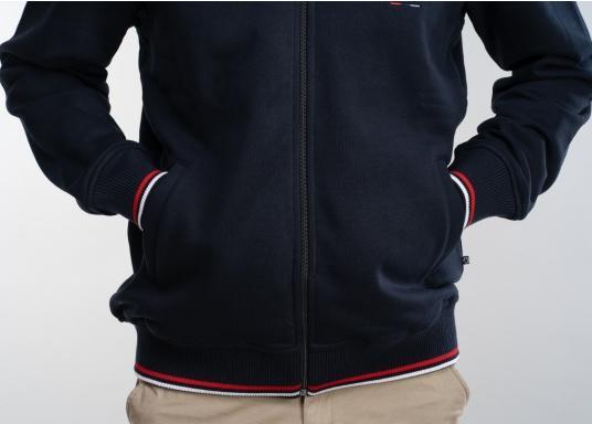 Confortevole, sportiva, elegante: la morbida giacca felpata da uomo HARRISON di marinepool si caratterizza per il suo materiale particolarmente comodo. (Immagine 8 di 11)