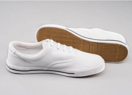 SOLING - Der klassische Segelschuh von Westland. Der Schuh hat eine funktionelleLamellen-Gummisohle, eine herausnehmbareFrottee-Decksohle und ein Baumwollfutter.  (Bild 5 von 5)
