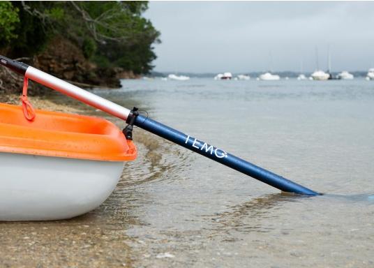 Mit der Dollenhalterung kann der Elektro-Motor TEMO-450 sicher an Ihrem Boot befestigt werden und verhindert, dass er versehentlich in das Wasser fällt. (Bild 4 von 7)