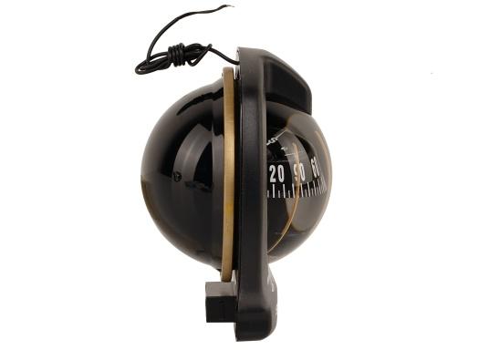 Der Schotteinbau-Kompass 102 B/H ist für maximale Krängungen von bis 45 ° ausgelegt und verfügt über kardanisch aufgehängte Steuerstriche. Daher ist er ideal für Segelboote und größere Motorboote geeignet. (Bild 3 von 7)