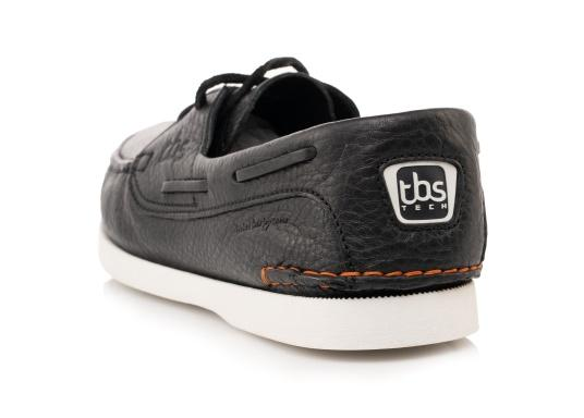 PLERIN, the authentic and stylish boat shoe from tbs, is made of high-quality leather and boasts a high level of comfort and good grip on deck. (Imagen 5 de 5)