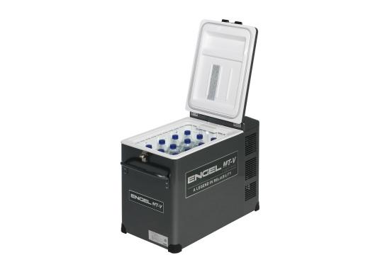Extremely powerful and robust cooler, perfect for use on board or on the road. The new V-series features the proven, durable oscillating piston compressor and features edge protection and a new lockable closure. (Image 3 of 10)