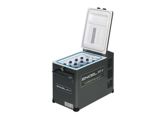 Extremely powerful and robust cooler, perfect for use on board or on the road. The new V-series features the proven, durable oscillating piston compressor and features edge protection and a new lockable closure. (Image 4 of 10)