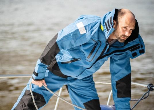 Die zweilagige Offshore-Jacke bietet sämtlich Eigenschaften einer robusten Segelbekleidung mit allen Offshore-Features und ist dabei überraschend weich. (Bild 4 von 13)