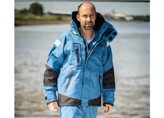 Die zweilagige Offshore-Jacke bietet sämtlich Eigenschaften einer robusten Segelbekleidung mit allen Offshore-Features und ist dabei überraschend weich. (Bild 2 von 13)