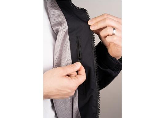 Giacca club e da vela altamente funzionale realizzata con un robusto materiale a 2 strati. La giacca CRUISING è realizzata in tessuto impermeabile e traspirante ed è inoltre rivestita con DWR. (Immagine 5 di 9)